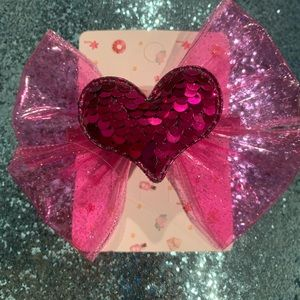 Fashion heart bow